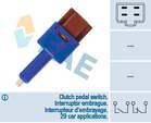 Fae Cruise control schakelaar / Koppelingbedieningsschakelaar (motor) / Remlichtschakelaar 24454